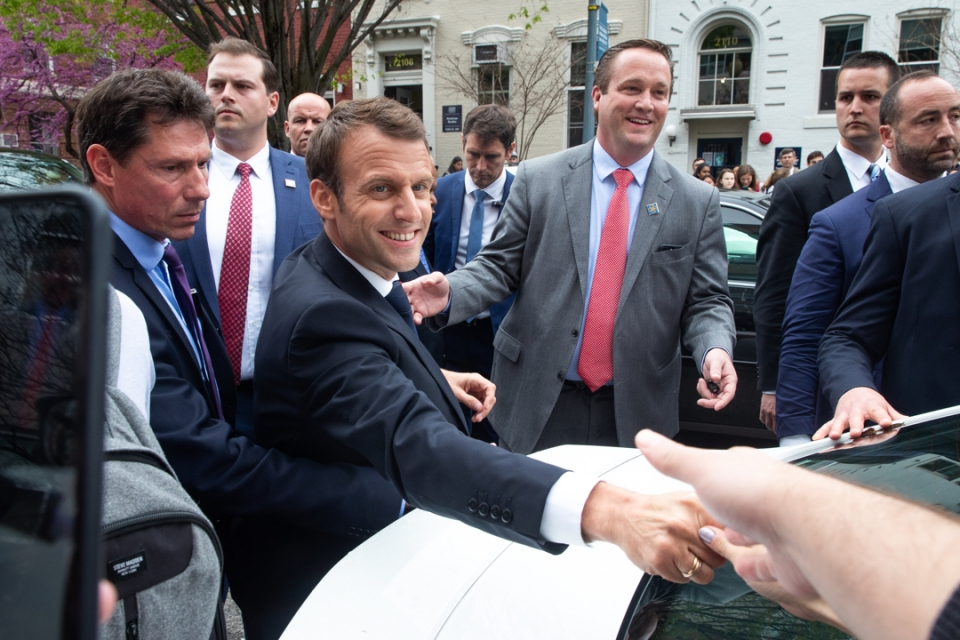 President of France shaking hands at GW